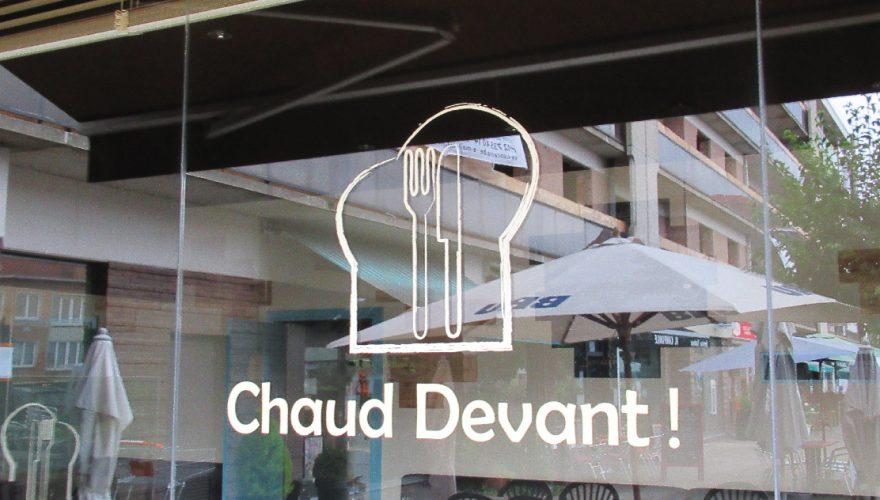 lettrage logo enseigne sur vitre chaud devant woluwe